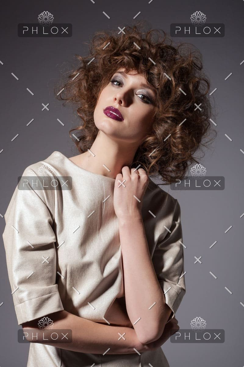 demo-attachment-953-young-sexy-beautiful-woman-with-fashion-hairstyle-PFULLFT-1